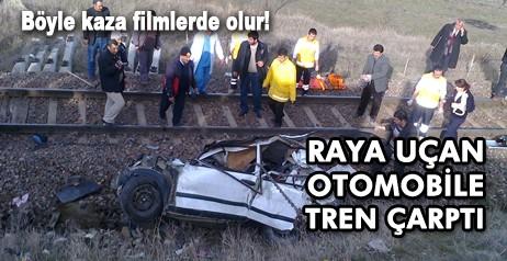 Şubat ayının öne çıkan haberlerinden biriside raya uçan otomobile bir trenin çarpması oldu. Kurşunlu ilçesinde meydana gelen kazada, tren rayına uçan araca lokomotif çarptı. Kazada 2 kişi olay yerinde can verdi.