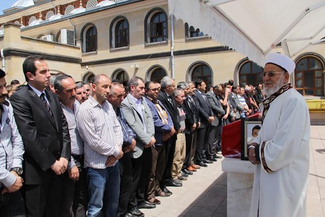 Karayel'in ailesine teslim edilen naşı gece saatlerinde Çankırı'ya getirildi. Karayel için öğle namazı sonrası Ahmet Yesevi Camiinde cenaze namazı kılındı.