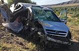 İki otomobil çarpıştı: 2 ölü, 5 yaralı