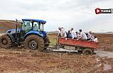 Kızılırmak'ta gazetecilerin kavun tarlasına zorlu yolculuğu