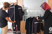 Çankırı Belediyesi İşçilerinin Kıyafetlerini Kendisi Dikiyor