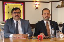 Salim Çiviticioğlu basın toplantısında esti-gürledi!