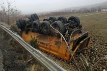 Çankırı'da pancar yüklü kamyon devrildi: 1 yaralı