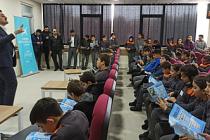Eminoğlu Çankırı'da Kitap Kurdu Yarışmasını tanıttı.
