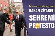 Bakan ziyaretinde Şehremini protestosu