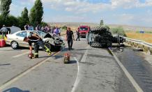Çankırı'da otomobil traktöre arkadan çarptı!