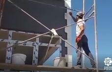 Depreme iskelede yakalanan işçinin zor anları kamerada!