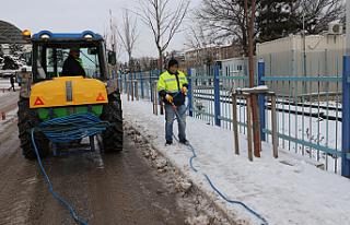 Çankırı'da karla mücadele hız kesmeden devam...