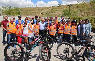 Görme Engellilerin Bisiklete Binme Hayali Gerçek...