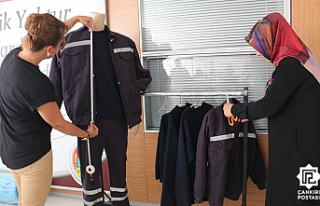 Çankırı Belediyesi İşçilerinin Kıyafetlerini...