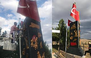 Sur Gazisi Şehitlik anıtını kendi elleriyle boyadı!