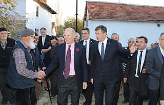 İngilliz Büyükelçi Kalfat'a Boris Johnson'un...