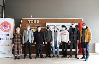 TOBB Fen Lisesi TÜBİTAK'ta Türkiye Finaline yükseldi