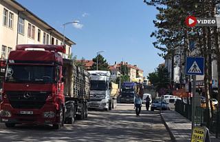 Öfkeli şoförler Ankara-Çankırı karayolunu trafiğe...