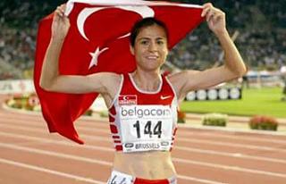 Avrupa şampiyonu eski milli atlet Süreyya Ayhan...
