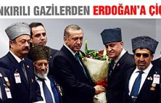 Çankırılı Gazilerden Erdoğan'a çiçek!
