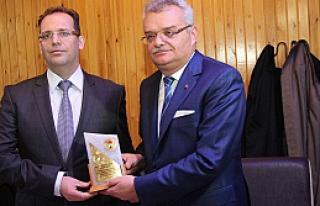 Dr. Mehmet Karakoç için veda yemeği düzenlendi