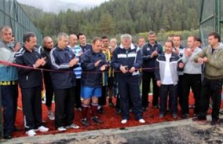 Yıldıztepe'ye yapılan futbol sahaları'nın...
