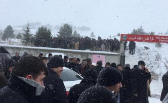 İbrahim Canbaz yoğun kar yağışı altında defnedildi!
