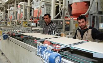 Dev fabrikada üretime adım adım!