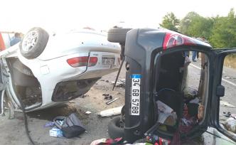Çankırı'da orta refüjü aşan otomobil karşı şeride daladı! 6'sıı ağır 8 kişi yaralandı...