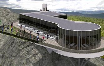 Türkiye'nin en büyük cam terası inşa ediliyor.
