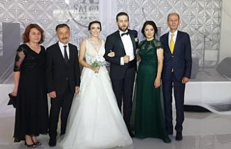 Hoşafcıoğlu ve Kıyısin ailelerinin mutlu günü!