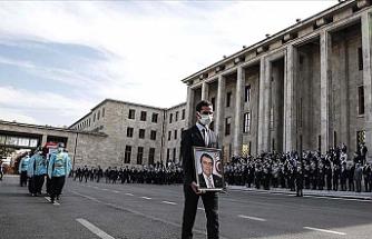 Osman Durmuş TBMM'deki törenin ardından toprağa verildi