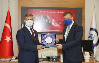 Çankırı Karatekin Üniversitesi'nde Bayrak Değişimi