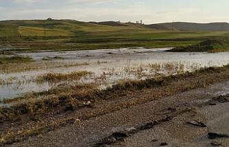 HES perişan etti! Kızılırmak'ta 2 bin dekar arazi sular altında kaldı...