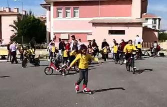 Çankırı'da çocuklar hareketli yaşama pedalladı!