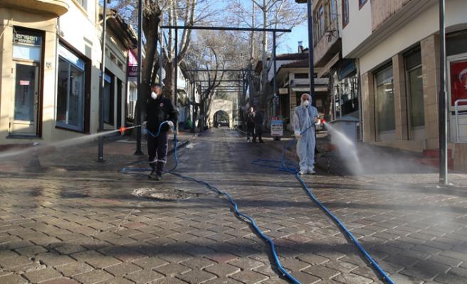 Çankırı'da cadde ve sokaklar dezenfekte ediliyor!