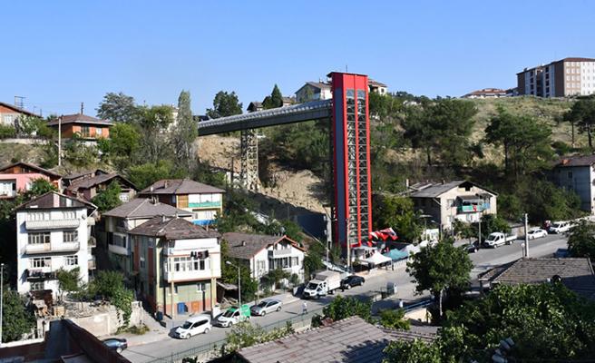 Karabük'te 32 metre yüksekliğinde sıra dışı kule asansör hizmete girdi!