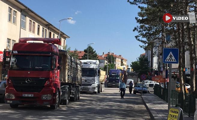 Öfkeli şoförler Ankara-Çankırı karayolunu trafiğe kapattı