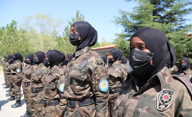 Somalili  kadın polisler Çankırı'da özel harekât eğitimi aldı