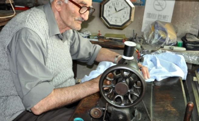 Lütfi amcanın 63 yıllık meslek aşkı