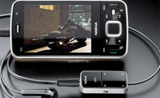 Nokia nın N96 modeli iPhoneu sollar mı?