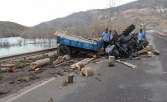 Bayramören'de traktör devrildi: 1 ölü, 1 yaralı