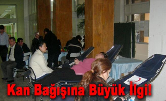 Çankırı da Kızılay kan bağışı kampanyası...