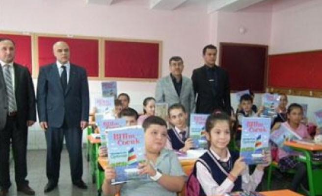 Kütahya'da öğrencilere 'Bilim çocuk' dergisi