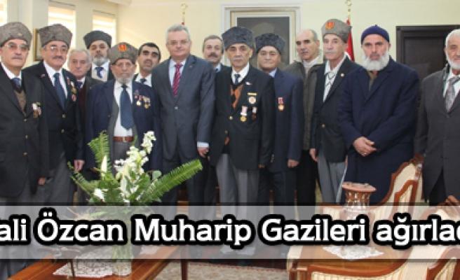 Muharip Gaziler Derneği, Vali Özcan ı ziyaret etti