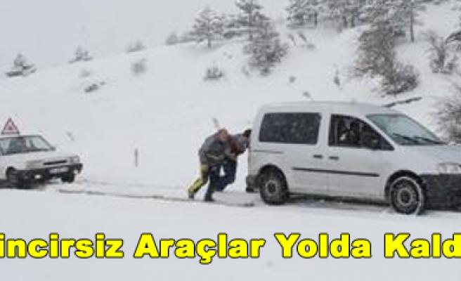 Ilgazda Zincirsiz Araçlar Yolda Kaldı!