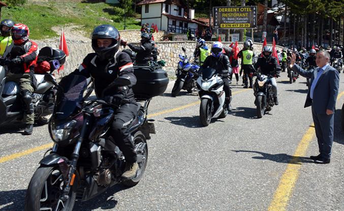 Motosiklet tutkunları İstiklal Sürüşü gerçekleştirdi