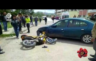 Motosiklet kazasında ağır yaralanan genç yaşam savaşı veriyor!